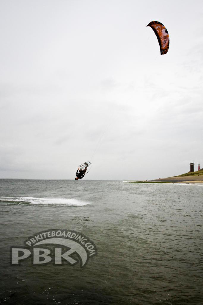 2011 Flysurfer Unity Kite Action Shots Reviews Canada Usa